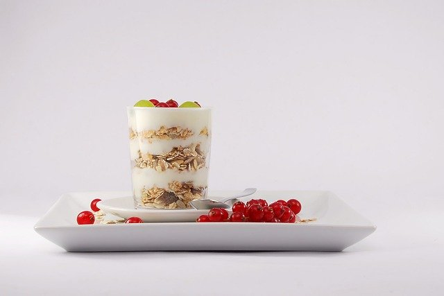 muesli yogurt